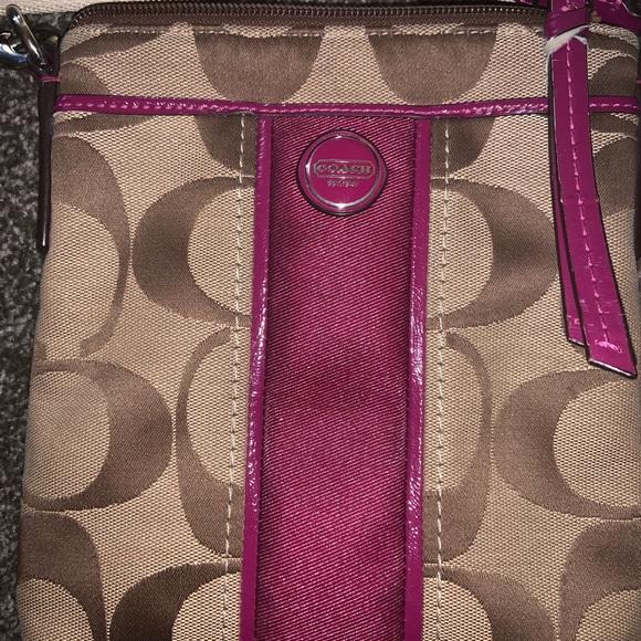 Coach Handbags - Gently used Signature Coach canvas purse